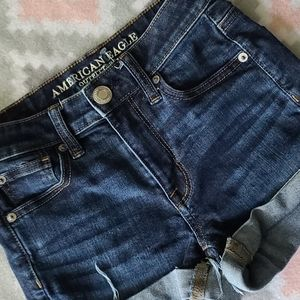 🦅 American Eagle Outfitters Hi-Rise Shorties